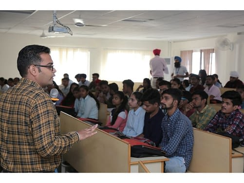 Guest Lecture on Wireless Networks and Fuzzy Logics